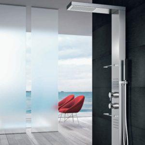 Elegante doccia con controlli avanzati