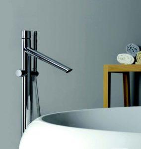 rubinetto con miscelatore per vasca